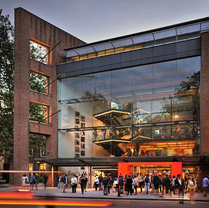 ロンドンのサドラーズ・ウェルズ劇場